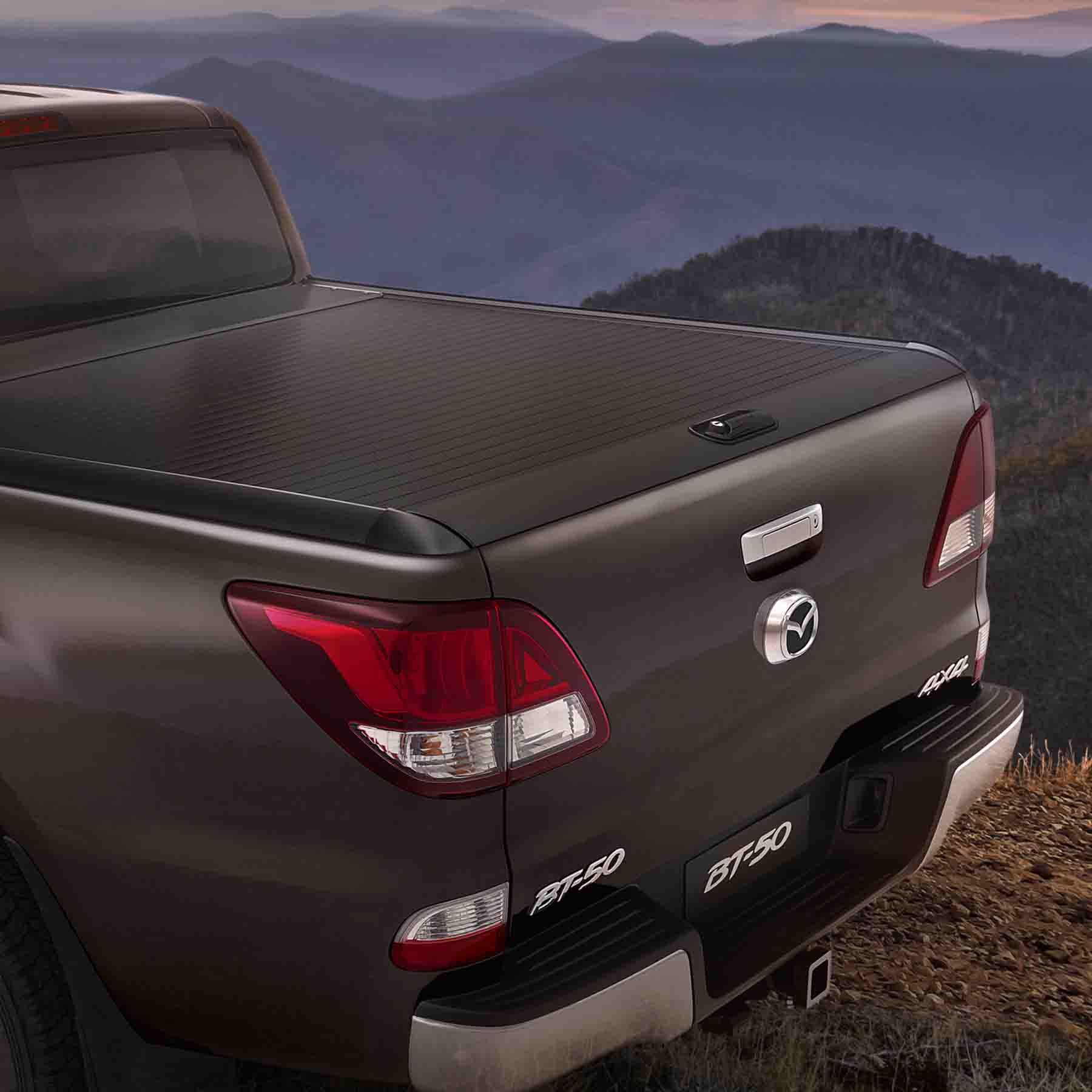 ALLOY RETRACTABLE TONNEAU COVER